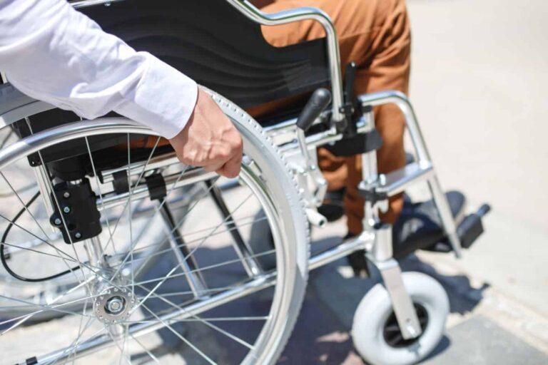 ποιο αναπηρικό αμαξίδιο να διαλέξω;