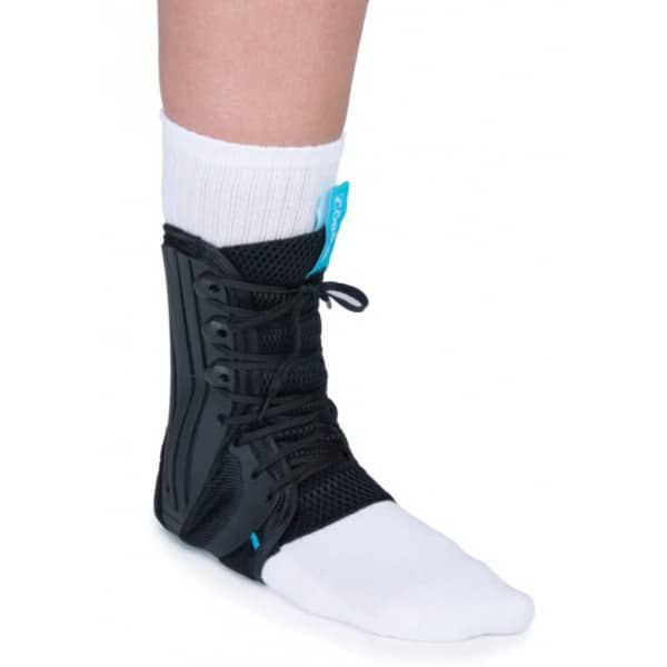 Ο Νάρθηκας Ποδοκνημικής Exoform Ankle Brace είναι κατασκευασμένος από υλικά υψηλής ποιότητας