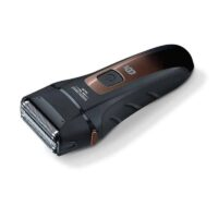 Η Ξυριστική μηχανή αλουμινίου HR 7000 αποτελείται από σύστημα ξυρίσματος με τριπλή λεπίδα και κοπτικό ακριβείας.